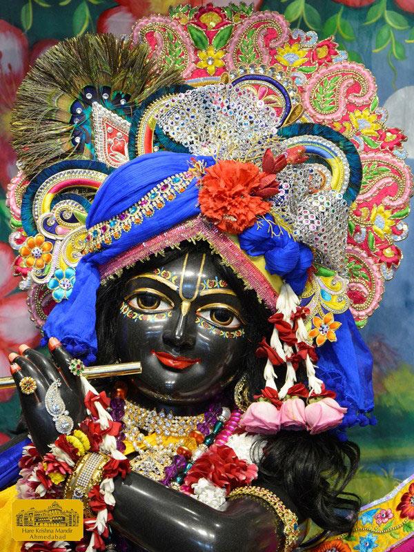 ISKCON Ahmedabad Sringar Deity Darshan 16 August 2016 (3)
