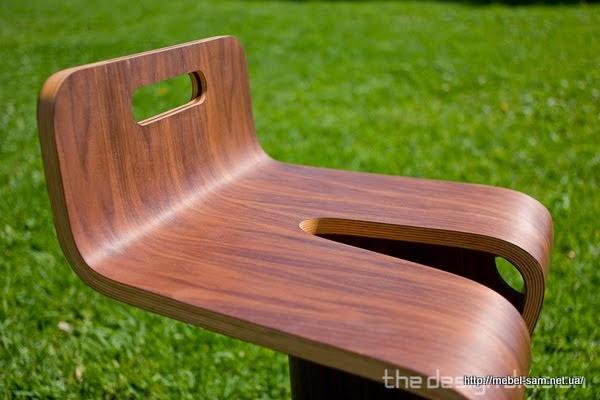 Вид на фанерный стул сбоку