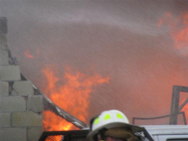 Friendfield Rd. Auto Repair Shop Fire 004.jpg