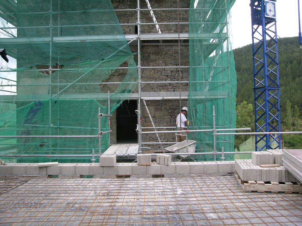 Reconstruccion Torre de Uriz - DSCN9897.jpg