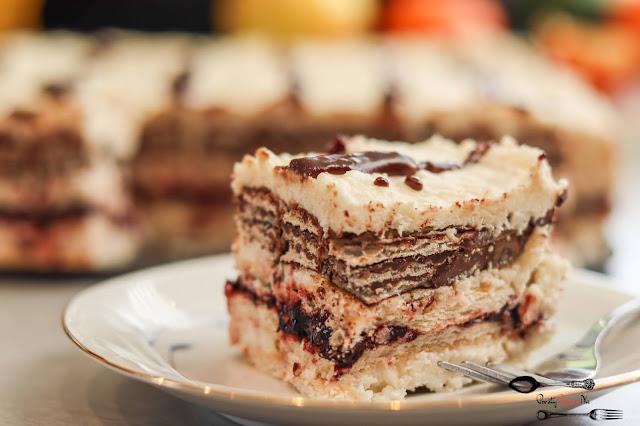 ciasta i desery,ciasto bez pieczenia,ciasto na herbatnikach,ciasto z kremem,ciasto z masą budyniową,ciasto na weekend, szybkie ciasto, smaczne ciasto