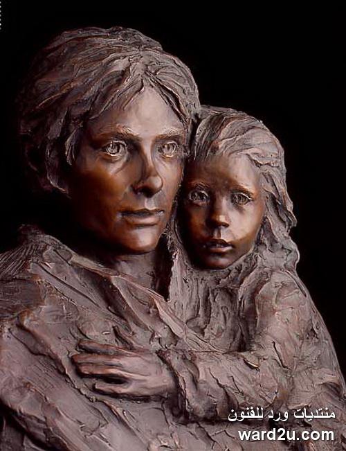 النحاتة الامريكية الواقعية Glenna Goodacre