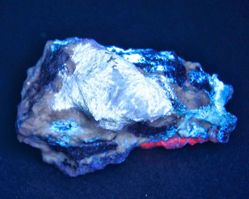 Colección de Minerales Fluorescentes - Página 3 Estroncianita+quebec%252CUVc