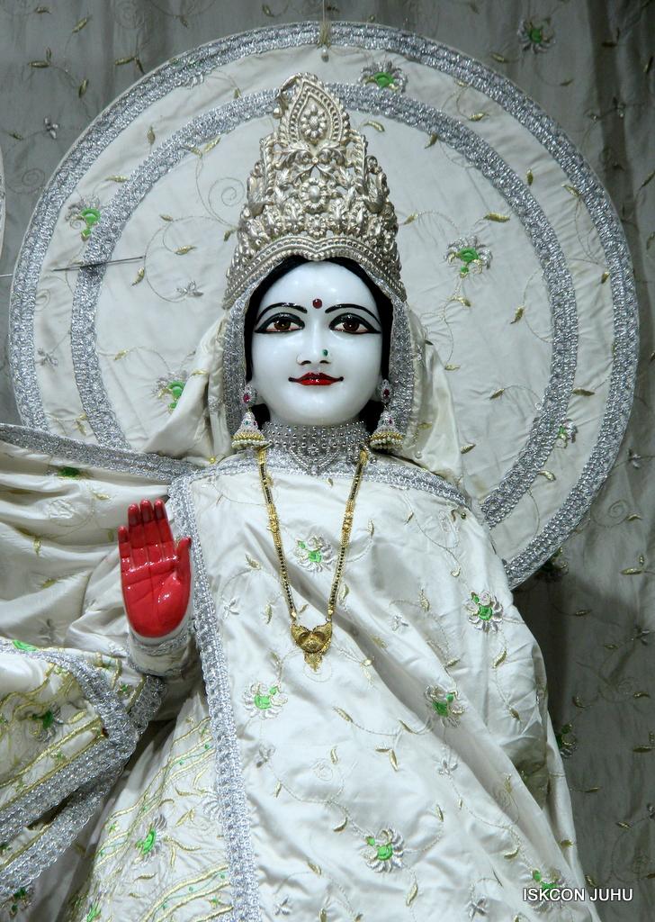 ISKCON Juhu Mangal Deity Darshan on 21st Oct 2016 (7)