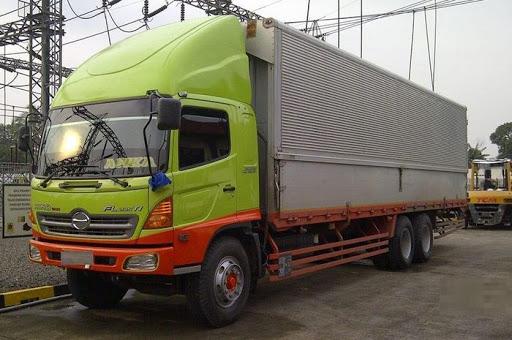 Fungsi Wind Deflector Atau Topi Di Kepala Truck
