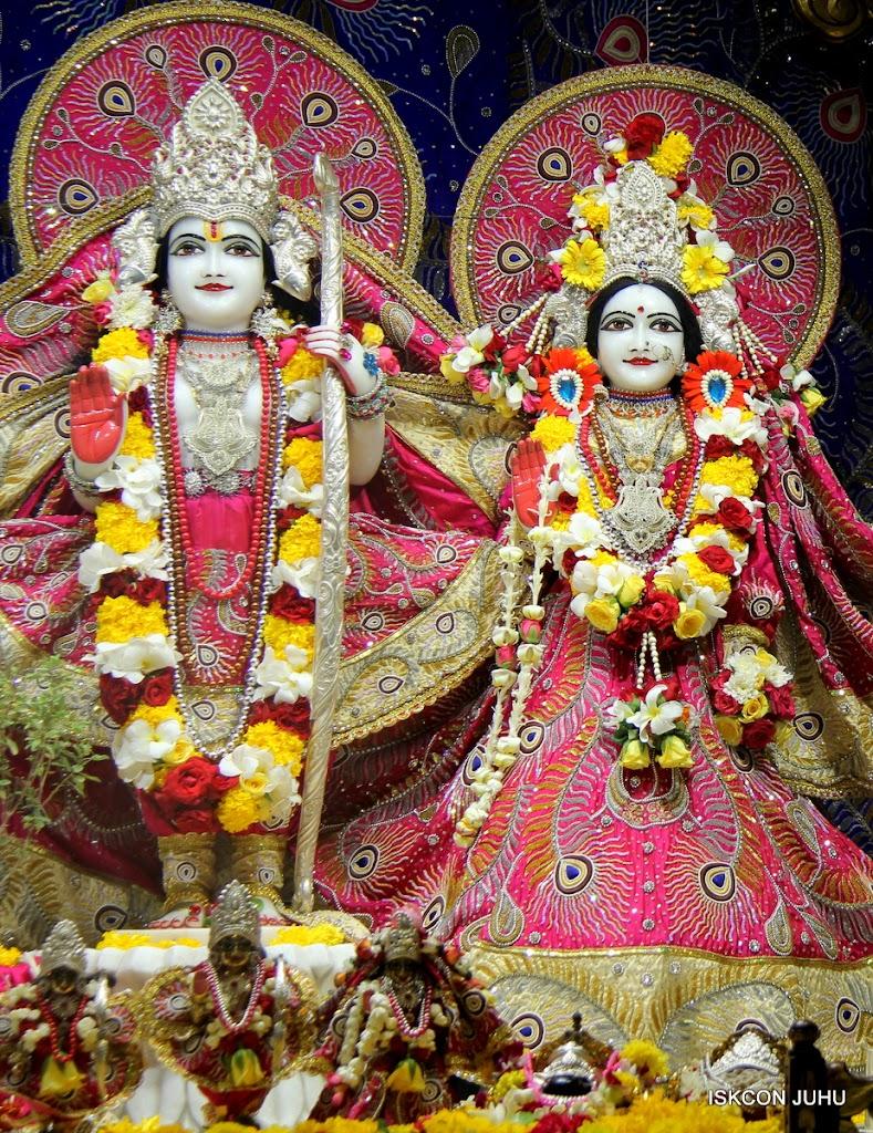 ISKCON Juhu Sringar Deity Darshan on 27th April 2016 (21)