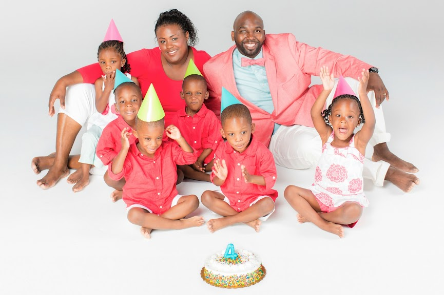 McGhee Sextuplets Re-Create Their Family Photograph Six Years Later