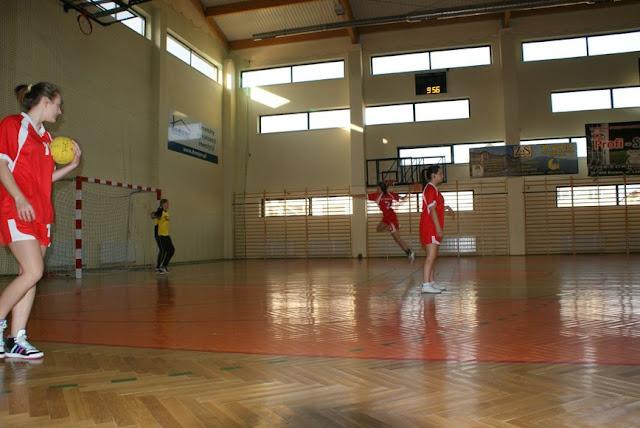 Piłka ręczna zowody listopad 2011 - DSC03723_1.JPG