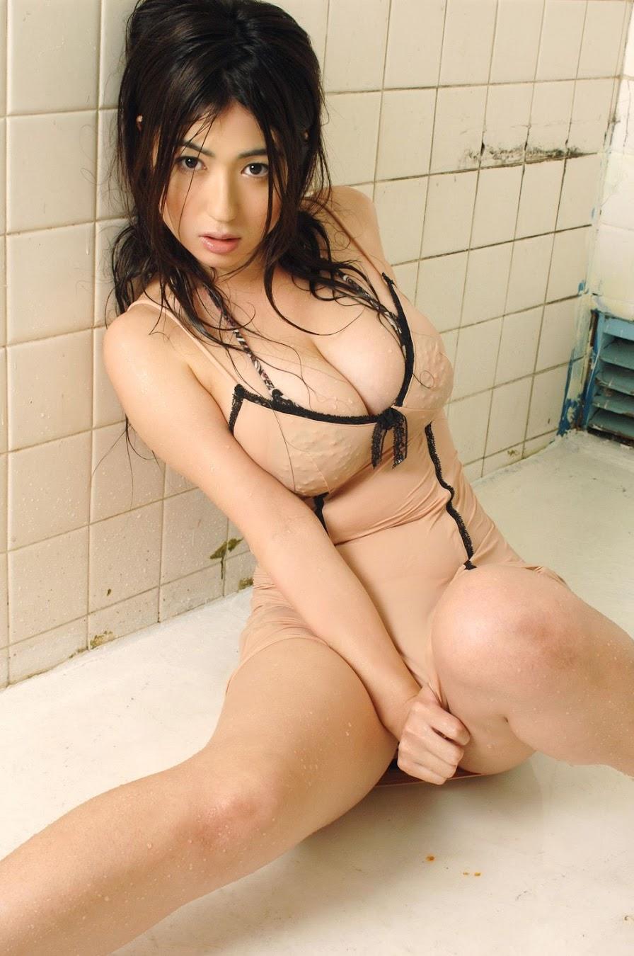 Nonami Takizawa - Japanese gravure idol & female talent