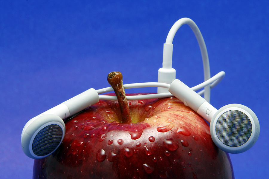 Listen to the Beat by Allan Opguar - Artistic Objects Other Objects ( apple ipod, apple, ipod, allan opguar, philippines )