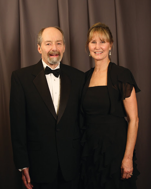 2010 Commodores Ball Portraits - Couple1.jpg