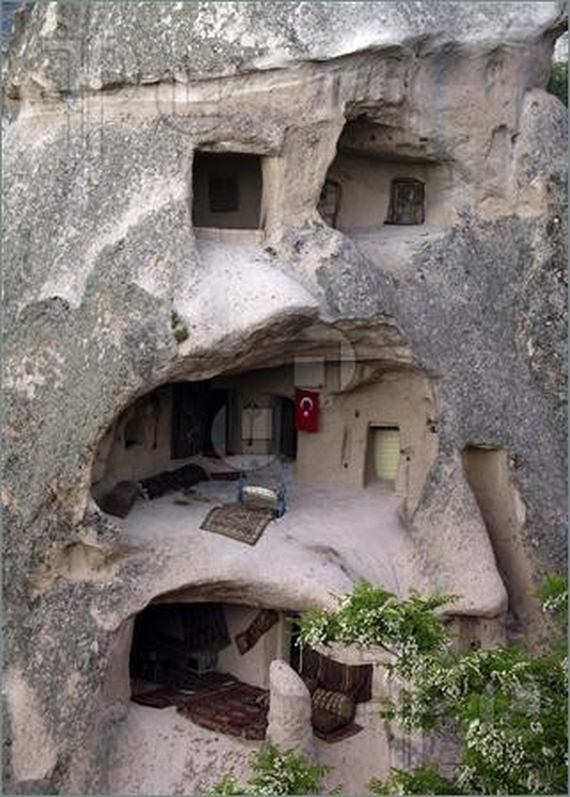 Amazing homes built into nature fun12 friends for What goes into building a house