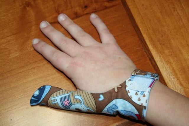 Cara Hentikan Tabiat MENGHISAP JARI Anak (7)