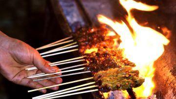 Mengenang Almarhum Mang Emod Tukang Sate Idaman Masa Kecil di Ciamis