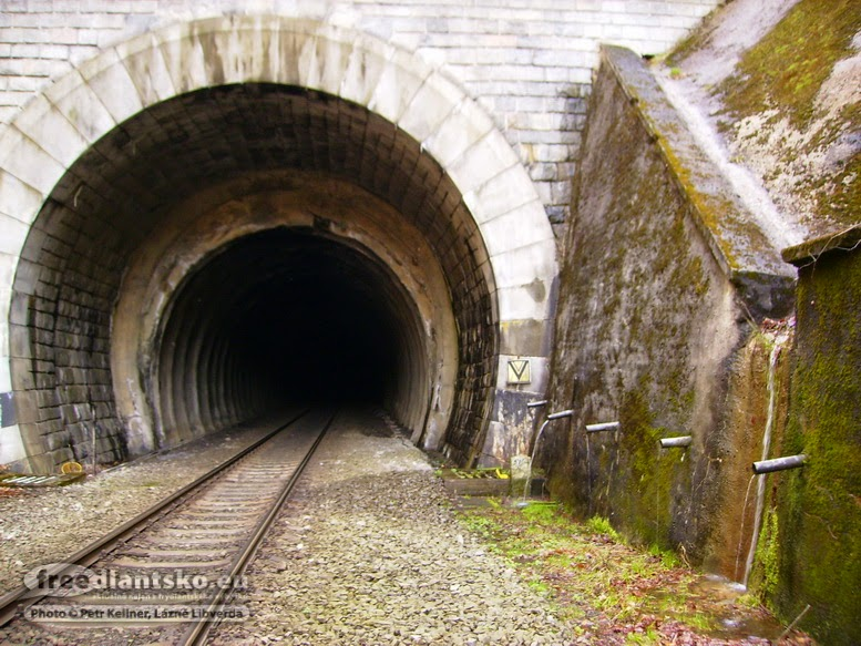 ertova-jama-tunel-2