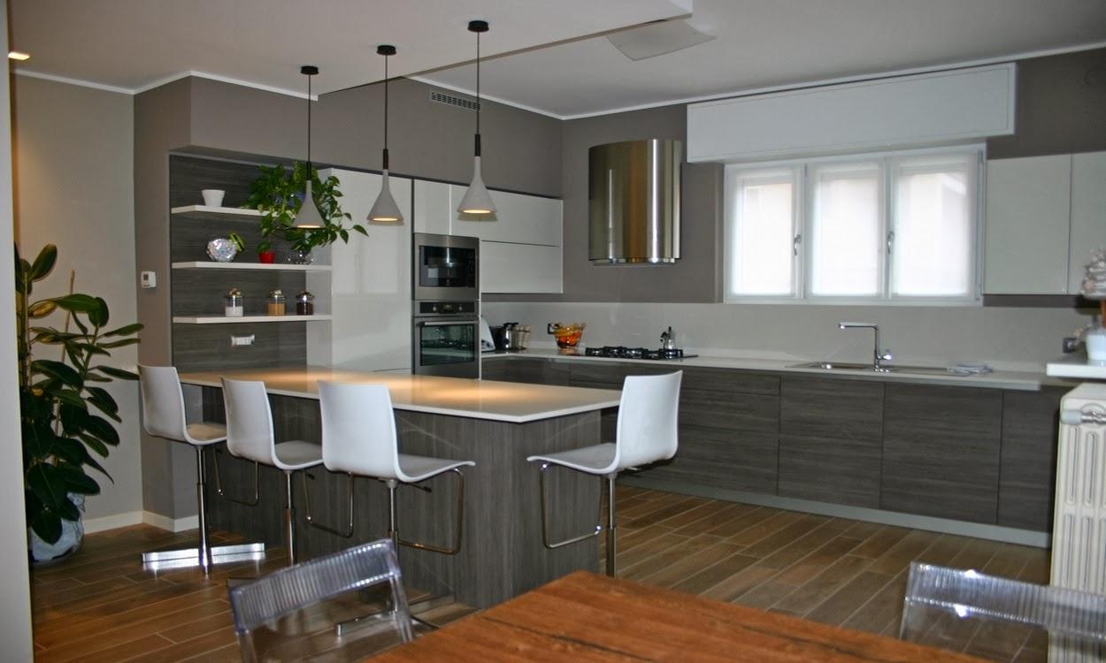 Cucina bianco viola lucido - Cucina penisola ikea ...