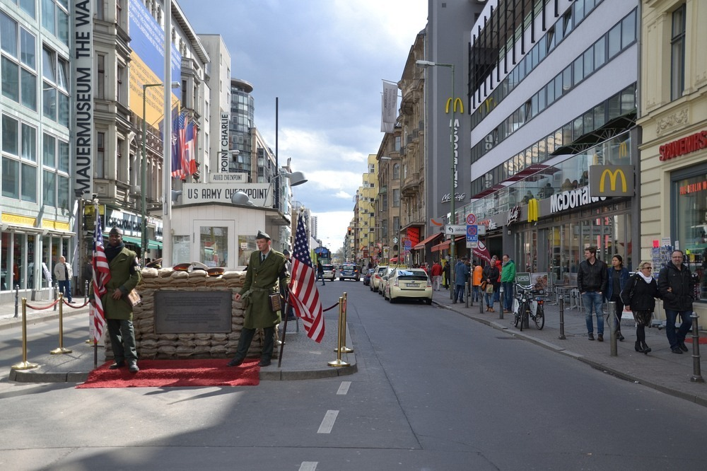checkpoint-charlie-7