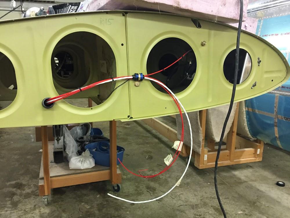 landing lights and other wing wiring good plane living. Black Bedroom Furniture Sets. Home Design Ideas