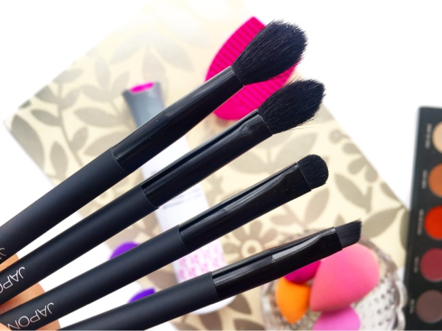 japonesque velvet touch eye brush review