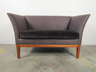 Manzanares Furniture Corp. Upholsterred Settee