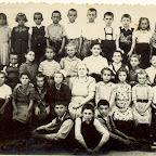 skolska 1956-57 razred 2. i 4 ..jpg