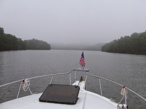 foggy day on Tennessee river