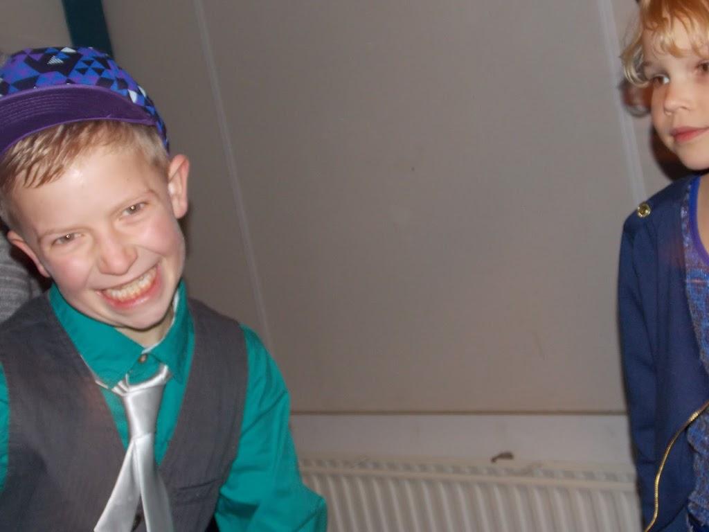Bevers & Welpen - Kerst filmavond 2012 - DSCN0882.JPG