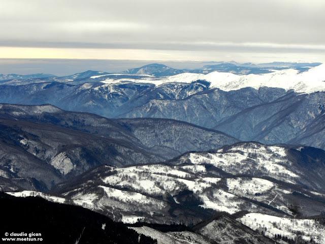 Muntii Valcan vazuti din Parang