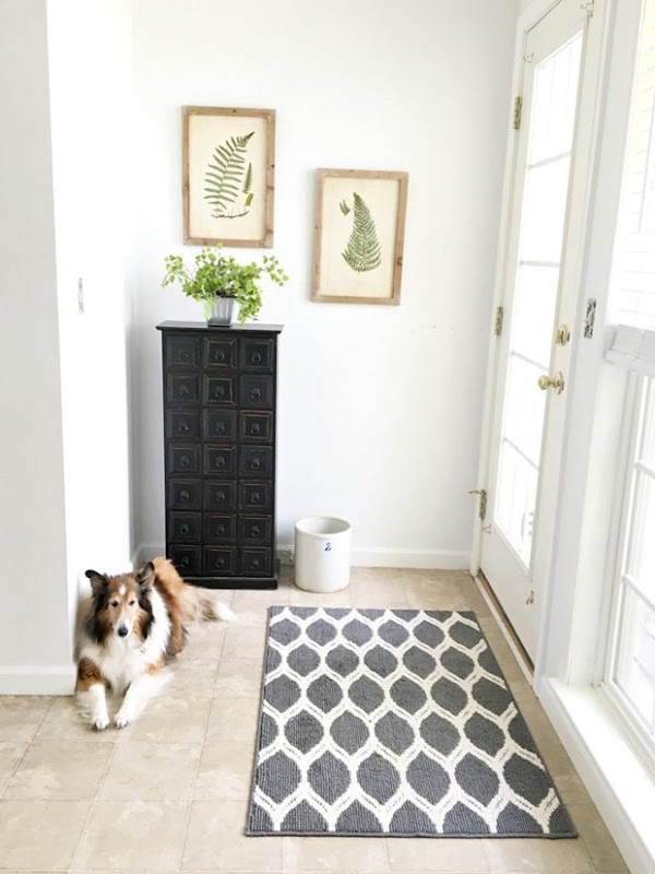 Mini-Mudroom-Makeover-After-768x1024