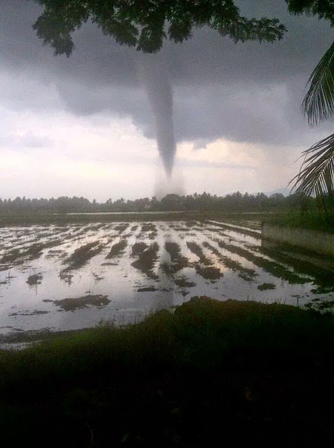 Gambar puting beliung melanda Pendang Kedah