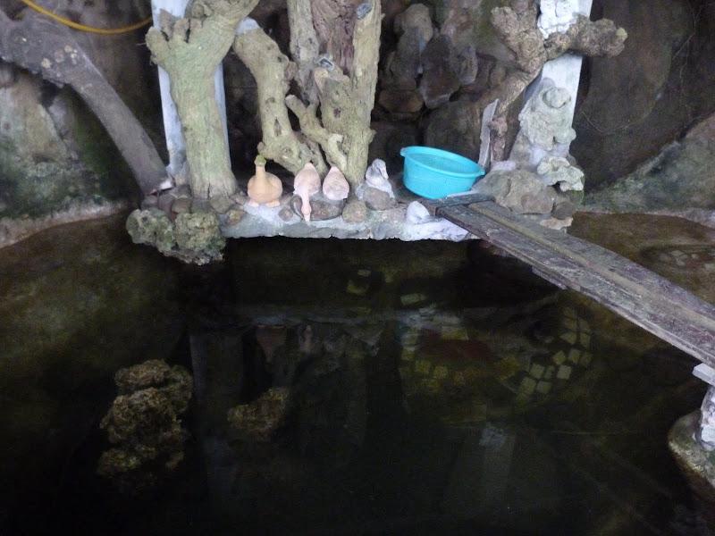 Large bassin, sous la seconde maisonnette