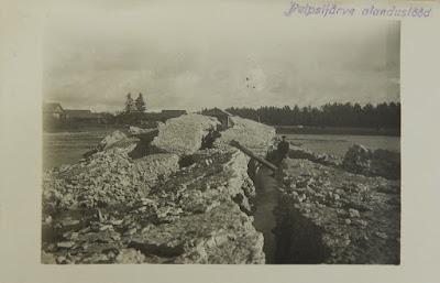 Остров из камней, образованных взрывами и поднятые со дна.1.10.1932 г.(из фондов Эст. гос. архива)