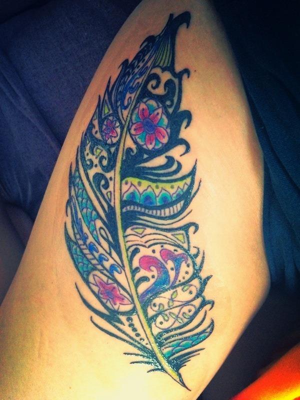 original_e_colorido_pena_de_tatuagem