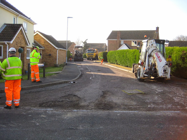 St Johns Close Resurfacing 23-03-2015. Pictures by Chris Cannon - IMG_1055.JPG