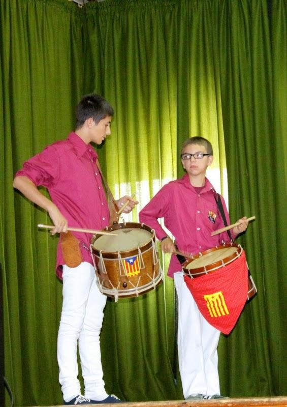 Audició Escola de Gralles i Tabals dels Castellers de Lleida a Alfés  22-06-14 - IMG_2400.JPG