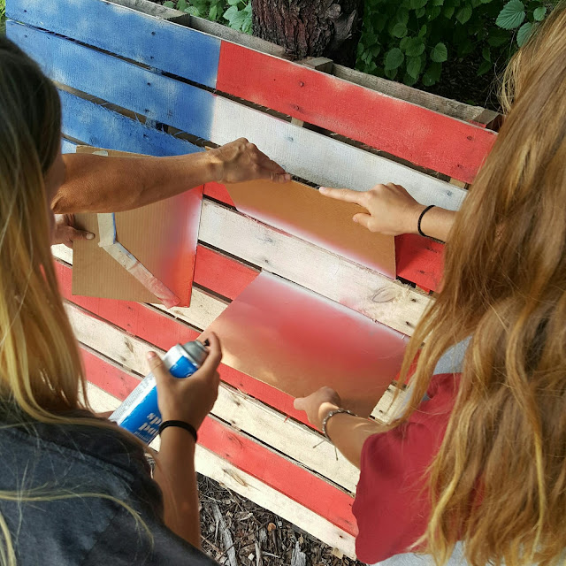 How to make an American Flag out of a Pallet!