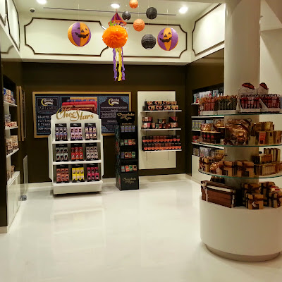 servicefromheart travelxp dubai mall uae emirates candylicious