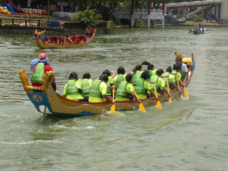 Dragon boat festival à Longtan ( Taoyuan) - dragonboat%2B122.JPG