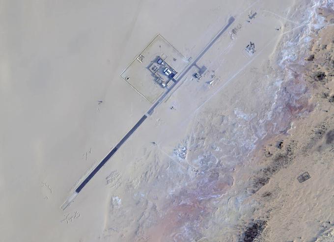 """Una base remota de la CIA en el """"Sahara"""" que crece constantemente."""
