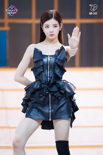 lia dress 8