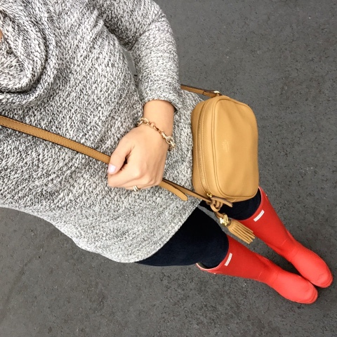 hunter rain boots, mom style, comfy cozy style