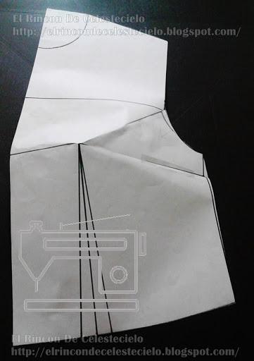 Patrón de corpiño con pinzas de ajuste de sisa y lateral cerradas