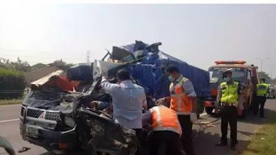 Dua Orang Tewas Dalam Kecelakaan di  TOL Tangerang-Merak
