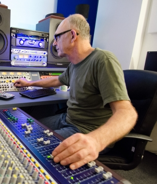 Leon Berrange vocal producer in studio