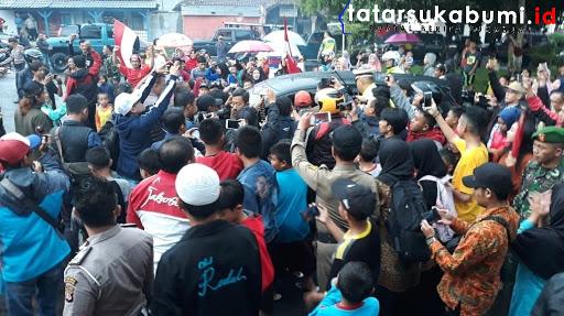 Pulang Kandang, Sani Rizki Fauzi Disambut Ribuan Warga Sukabumi