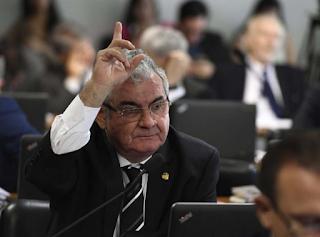 Presidente da CPI das Fake News recebeu R$ 40 milhões de verba do governo Bolsonaro, diz jornal