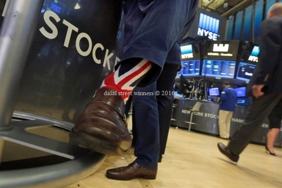 US stocks headed for big gains in 2016