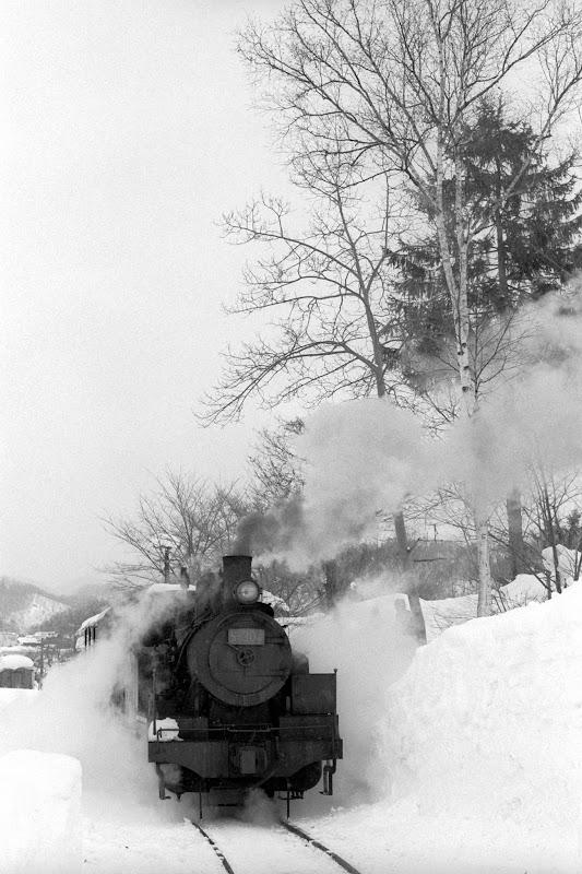 940213  雪中のS-304