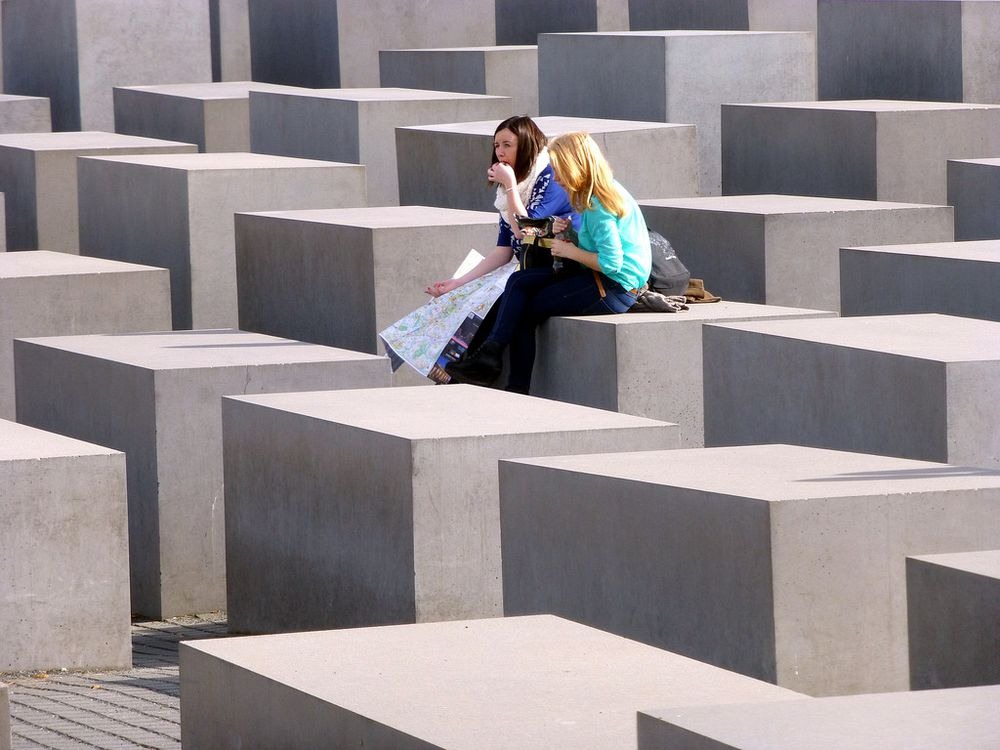 memorial-murdered-jews-europe-berlin-11