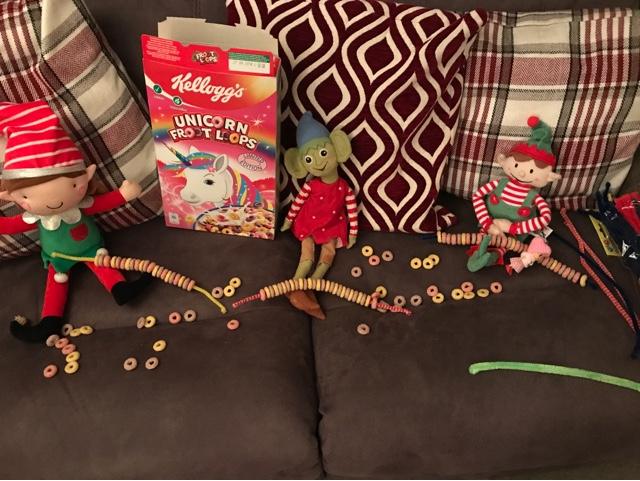 elf-on-the-shelf-fruit-loop-decorations